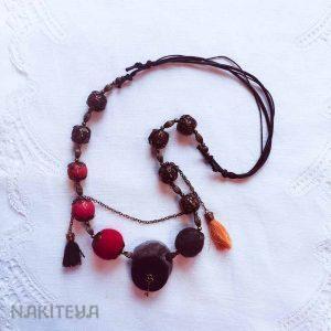 unikatna ogrlica črno-rdeča-s cofki - 1000