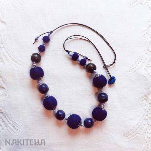 polstena ogrlica indigo modra