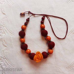 polstena ogrlica oranžna - 1000