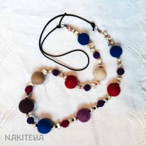 polstena ogrlica vesela - 1000